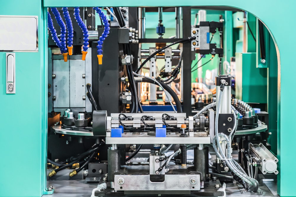 comparing plastic injection molding blow