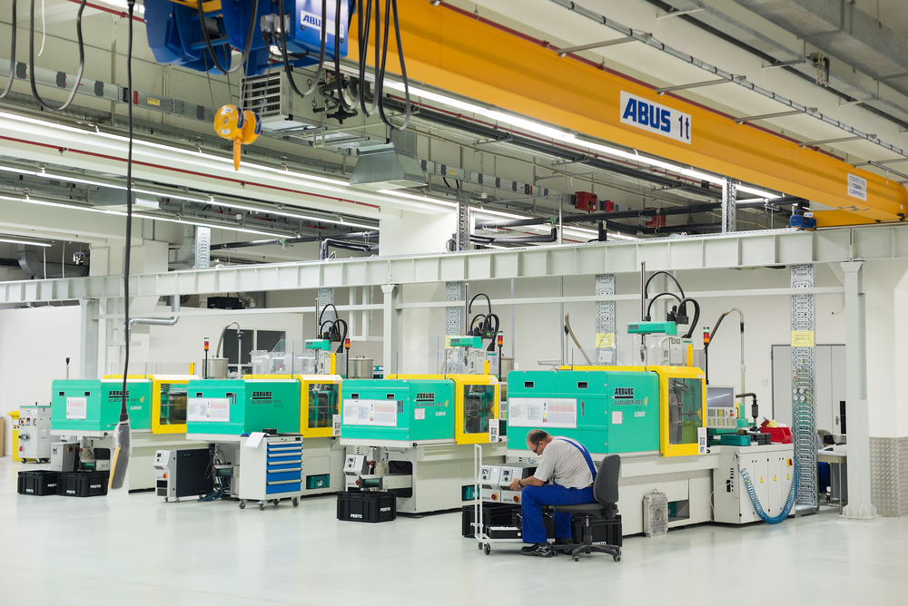 Injection Molding Terminology: Robotics, Storage and Tonnage