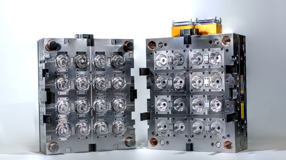 multi-cavity family injection molds